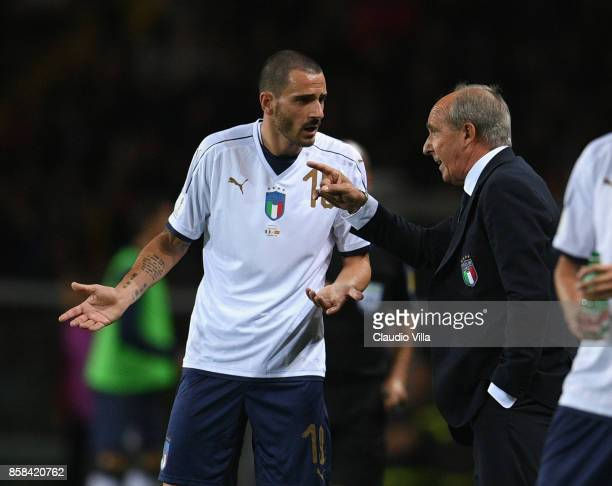 Head coach of Italy Gian Piero Ventura speaks with Leonardo Bonucci of Italy during the FIFA 2018 World Cup Qualifier between Italy and FYR Macedonia...