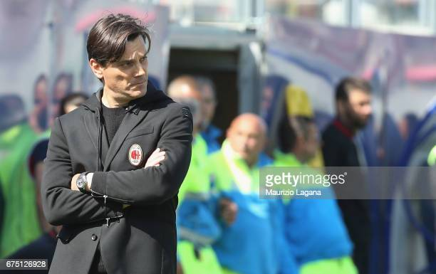 Head coach of Milan Vincenzo Montella during the Serie A match between FC Crotone and AC Milan at Stadio Comunale Ezio Scida on April 30 2017 in...
