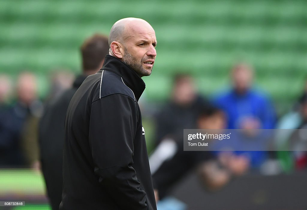 Head Coach of Northampton Saints <a gi-track='captionPersonalityLinkClicked' href=/galleries/search?phrase=Jim+Mallinder&family=editorial&specificpeople=747109 ng-click='$event.stopPropagation()'>Jim Mallinder</a> looks on prior to the Aviva Premiership match between Harlequins and Northampton Saints at Twickenham Stoop on February 6, 2016 in London, England. (Photo by Tom Dulat/Getty Images).