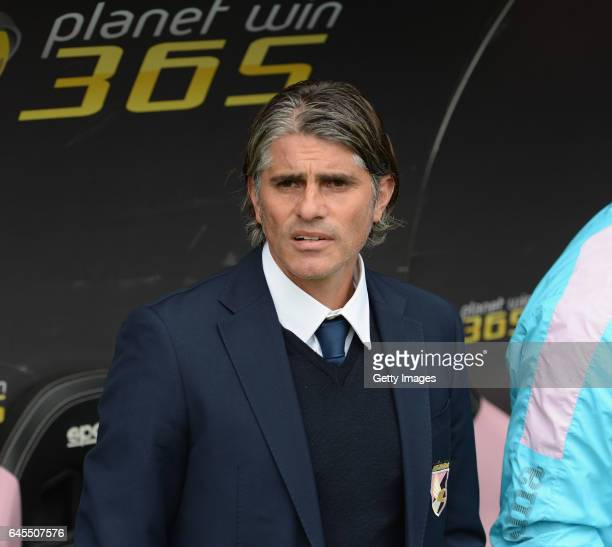 Head coach of Palermo Diego Lopez look on during the Serie A match between US Citta di Palermo and UC Sampdoria at Stadio Renzo Barbera on February...