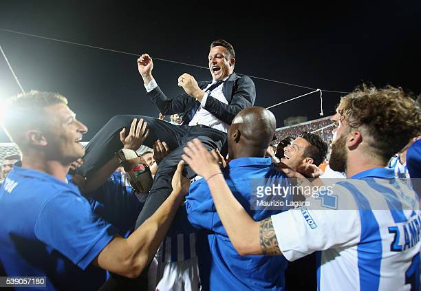 Head coach of Pescara Massimo Oddo celebrates after the Serie B match between Trapani Calcio and Pescara Calcio at Stadio Provinciale on June 9 2016...