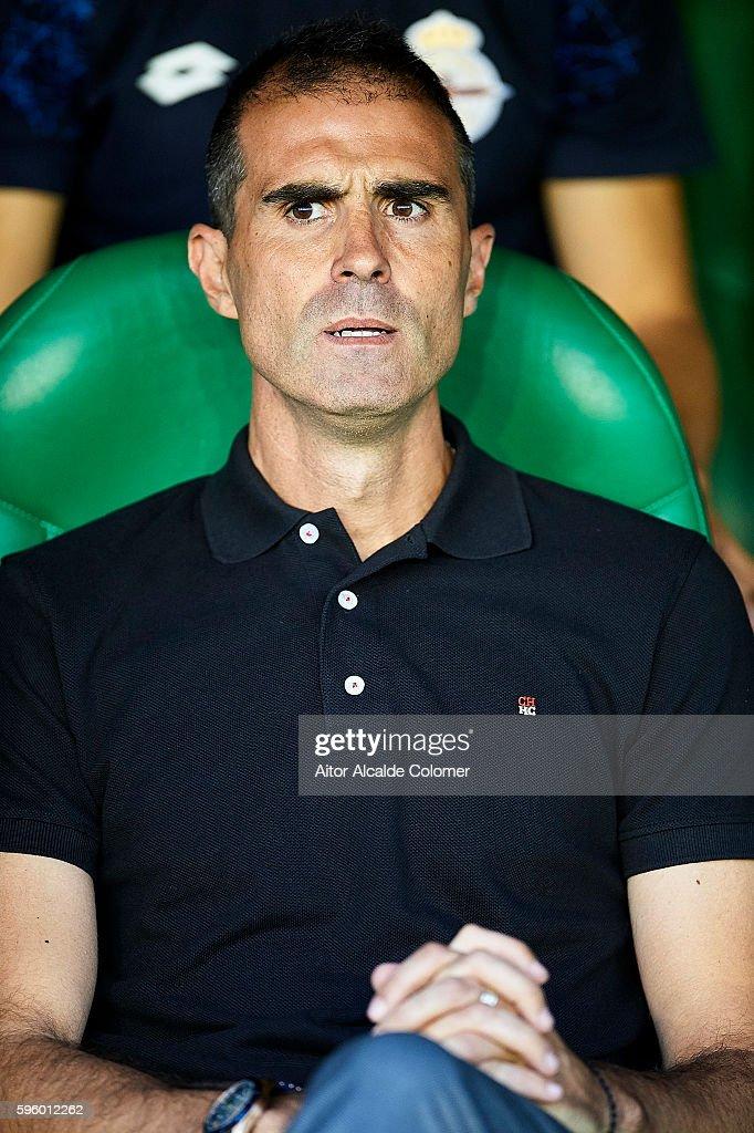 Head coach of RC Deportivo La Coruna Gaizka Garitano looks on during the match between Real Betis Balompie v RC Deportivo La Coruna as part of La...