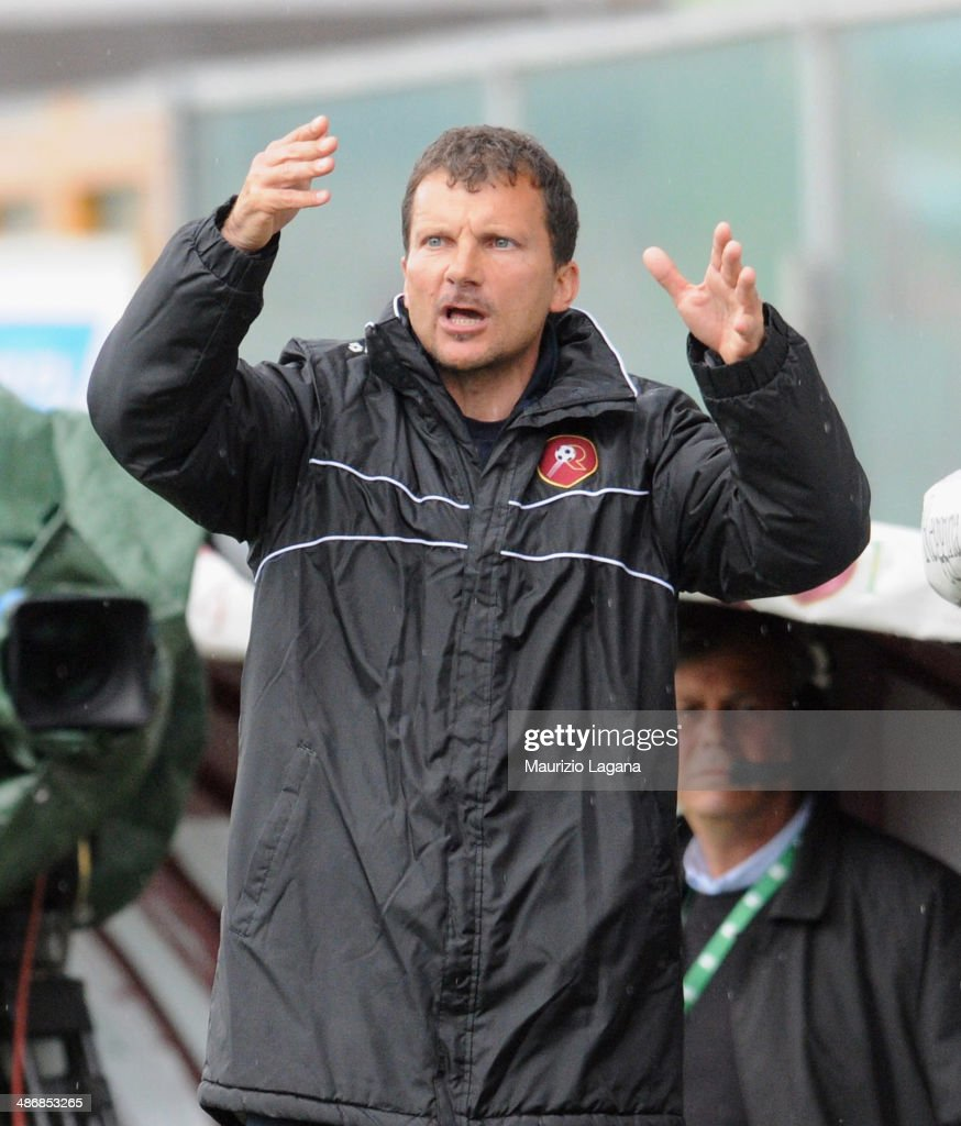 Head coach of Reggina Diego Zanin gestures during the Serie B match between Reggina Calcio and AS Cittadella on April 26 2014 in Reggio Calabria Italy