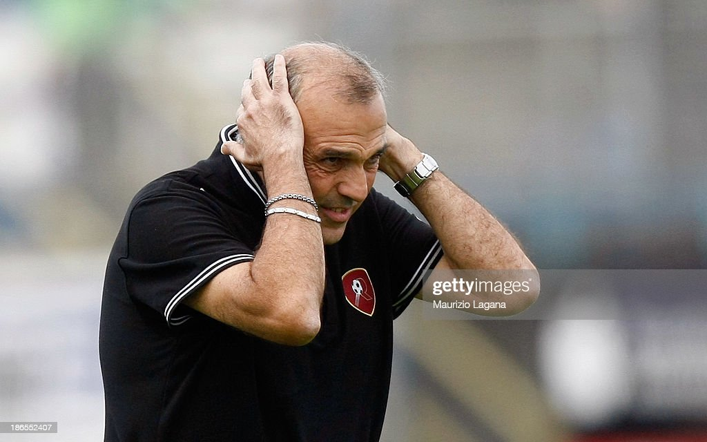 Head coach of Reggina Fabrizio Castori shows his dejection after the Serie B match between US Latina and Reggina Calcio at Stadio Domenico Francioni on November 1, 2013 in Latina, Italy.