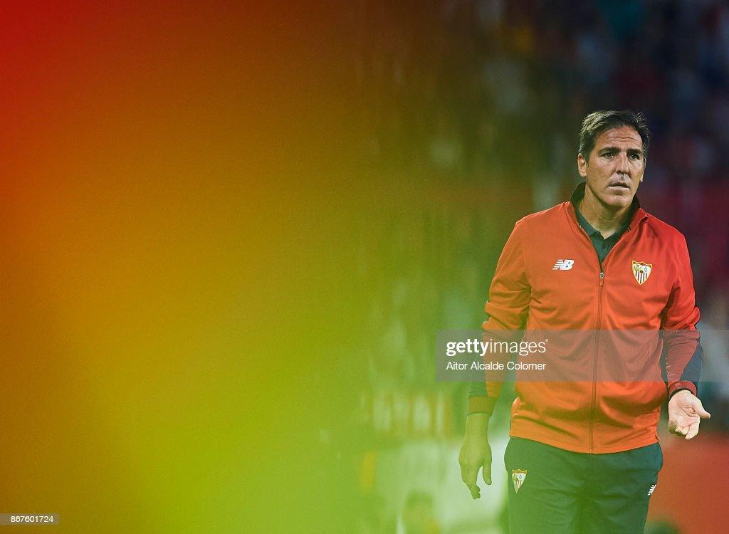 Head Coach of Sevilla FC Eduardo Berizzo reacts during the La Liga match between Sevilla and Leganes at Estadio Sanchez Pizjuan on October 28, 2017 in Seville, Spain.