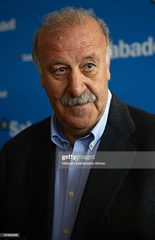 Head Coach of Spain <a gi-track='captionPersonalityLinkClicked' href=/galleries/search?phrase=Vicente+del+Bosque&family=editorial&specificpeople=2400668 ng-click='$event.stopPropagation()'>Vicente del Bosque</a> attends the ATP 500 World Tour Barcelona Open Banc Sabadell 2013 tennis tournament at the Real Club de Tenis on April 26, 2013 in Barcelona, Spain.