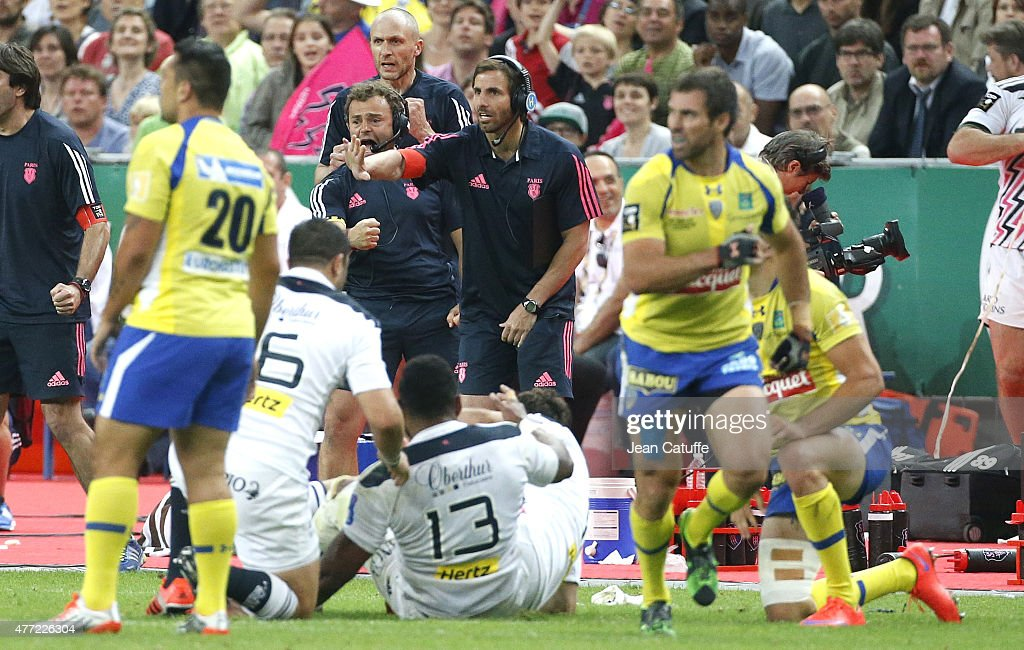 Head coach of Stade Francais <a gi-track='captionPersonalityLinkClicked' href=/galleries/search?phrase=Gonzalo+Quesada&family=editorial&specificpeople=685928 ng-click='$event.stopPropagation()'>Gonzalo Quesada</a> reacts during the Top 14 Final between ASM Clermont Auvergne and Stade Francais Paris at Stade de France on June 13, 2015 in Saint-Denis nearby Paris, France.