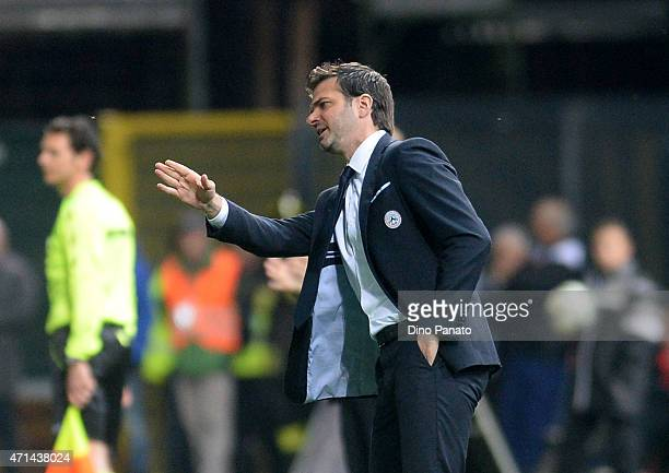 Head coach of Udinese Andrea Stramaccioni issues instructions during the Serie A match between Udinese Calcio and FC Internazionale Milano at Stadio...