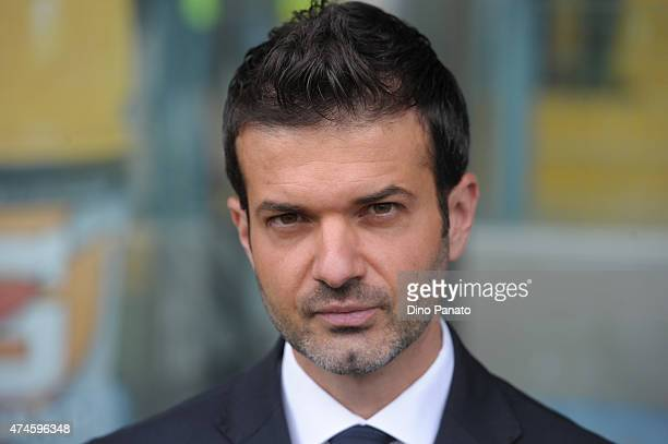 Head coach of Udinese Andrea Stramaccioni looks on during the Serie A match between Udinese Calcio and US Sassuolo Calcio at Stadio Friuli on May 24...
