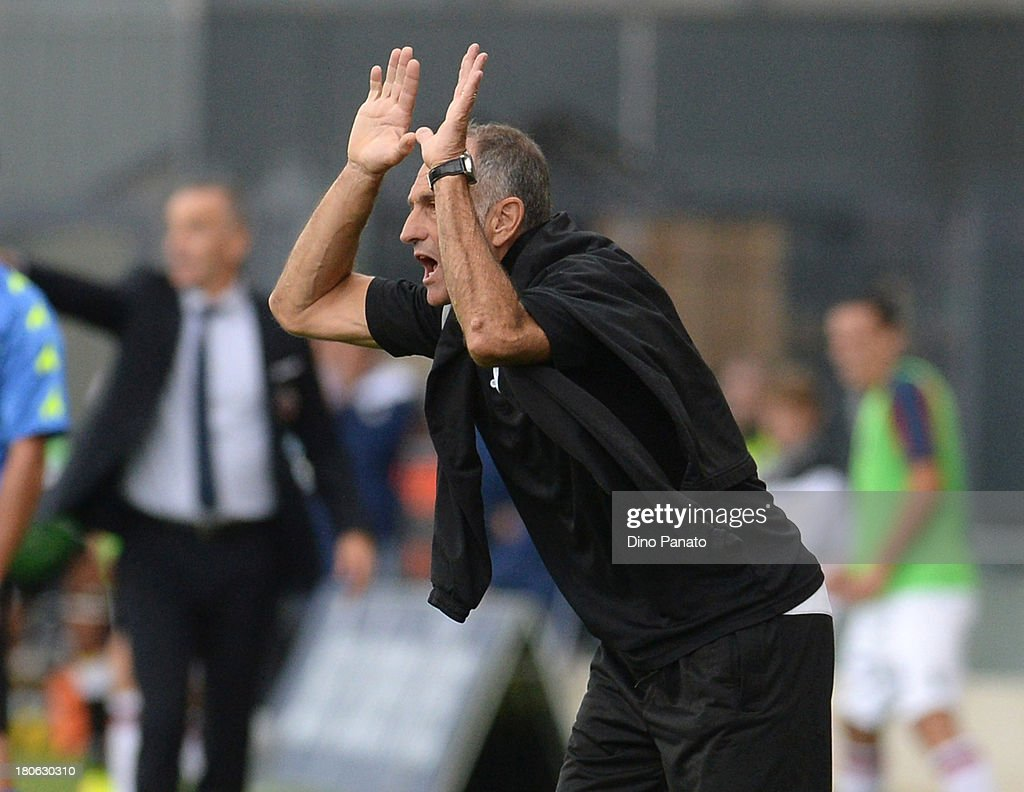 Head coach of Udinese Calcio <a gi-track='captionPersonalityLinkClicked' href=/galleries/search?phrase=Francesco+Guidolin&family=editorial&specificpeople=770478 ng-click='$event.stopPropagation()'>Francesco Guidolin</a> gestures during the Serie A match between Udinese Calcio and Bologna FC at Stadio Friuli on September 15, 2013 in Udine, Italy.