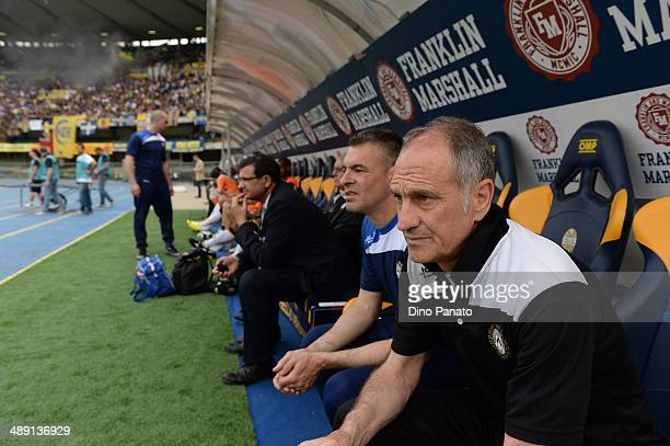 Head coach of Udinese Francesco Guidolin looks on during the Serie A match between Hellas Verona FC and Udinese Calcio at Stadio Marc'Antonio...