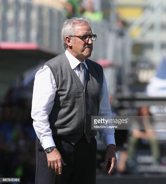 Head coach of Udinese Luigi Del Neri looks on during the Serie A match between FC Crotone and Udinese Calcio at Stadio Comunale Ezio Scida on May 14...