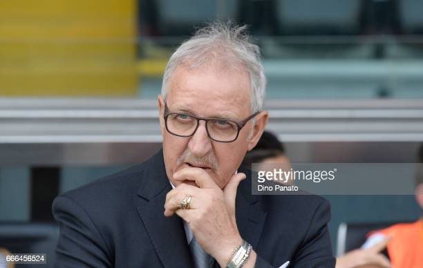 Head coach of Udinese Luigi Del Neri looks on during the Serie A match between Udinese Calcio and Genoa CFC at Stadio Friuli on April 9 2017 in Udine...