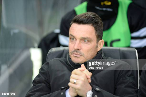 Head coach of Udinese Massimo Oddo looks on during the Serie A match between Udinese Calcio and Benevento Calcio at Stadio Friuli on December 10 2017...