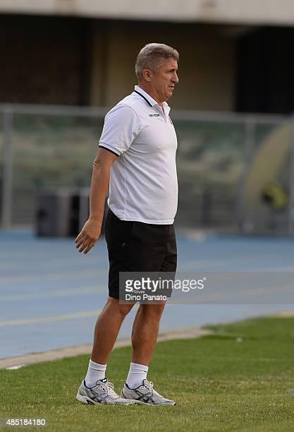 Head coach of US Salernitana Vincenzo Torrente looks on during the TIM Cup match between AC Chievo Verona and US Salernitana at Stadio Marc'Antonio...