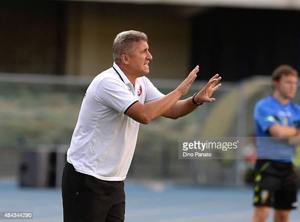Head coach of US Salernitana Vincenzo Torrente reacts during the TIM Cup match between AC Chievo Verona and US Salernitana at Stadio Marc'Antonio...