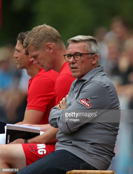 Head coach Olaf Janssen of FC St Pauli looks on during the preseason friendly match between VfB Oldenburg and FC St Pauli on July 8 2017 in Varel...