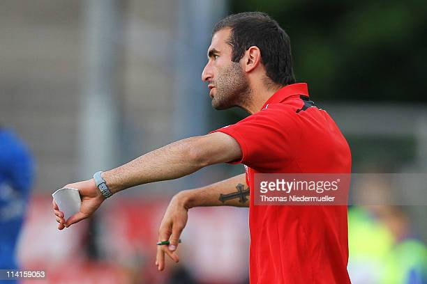 Head coach Oscar Corrochano of Franfurt gestures during the Regionalliga south match between Stuttgarter Kickers and Eintracht Frankfurt II at the...
