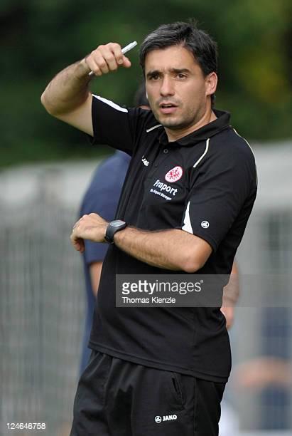 Head coach Oscar Corrochano of Frankfurt reacts during the Regionalliga South match between Stuttgarter Kickers and Eintracht Frankfurt II at Gazi...