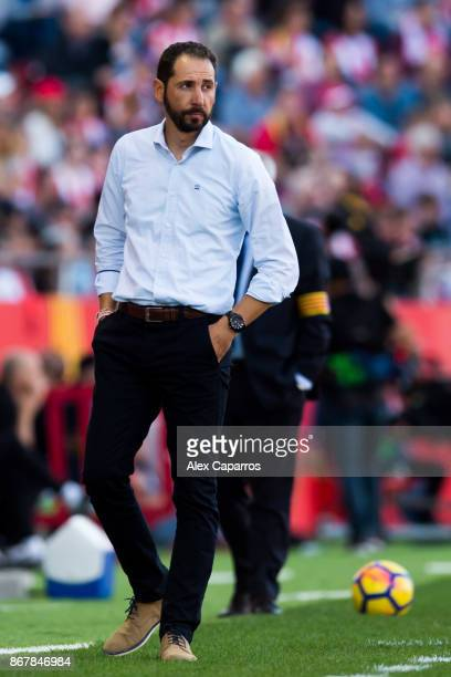 Head Coach Pablo Machin of Girona FC looks on during the La Liga match between Girona and Real Madrid at Estadi de Montilivi on October 29 2017 in...