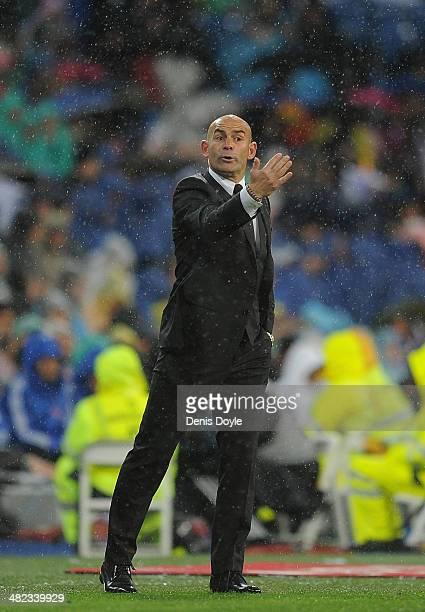 Head coach Paco Jemez of Rayo Vallecano de Madrid reacts during the La Liga match between Real Madrid CF and Rayo Vallecano de Madrid at Santiago...