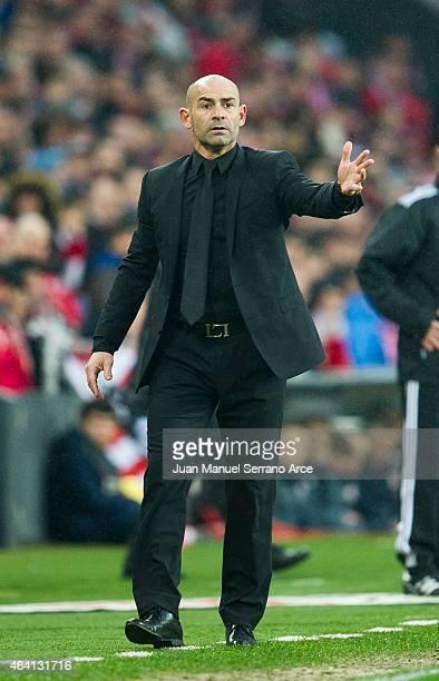 Head coach Paco Jemez of Rayo Vallecano reacts during the La Liga match between Athletic Club and Rayo Vallecano de Madrid at San Mames Stadium on...