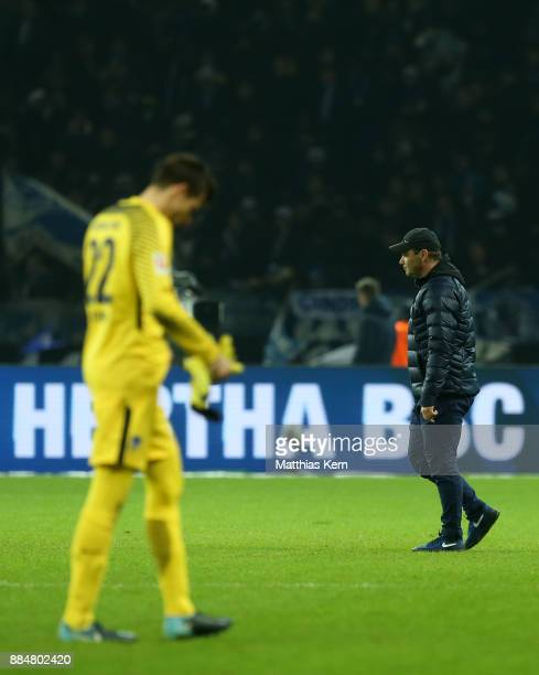 Head coach Pal Dardai of Berlin and Rune Jarstein show their frustration after loosing the Bundesliga match between Hertha BSC and Eintracht...