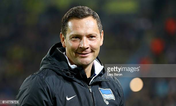 HEad coach Pal Dardai of Berlin looks on during the Bundesliga match between Borussia Dortmund and Hertha BSC at Signal Iduna Park on October 14 2016...