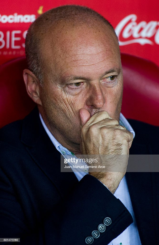 Head coach <a gi-track='captionPersonalityLinkClicked' href=/galleries/search?phrase=Pepe+Mel&family=editorial&specificpeople=3667674 ng-click='$event.stopPropagation()'>Pepe Mel</a> of Real Betis Balompie reacts on prior to the start the Copa del Rey Round of 32 match between Real Sporting de Gijon and Real Betis Balompie at Estadio El Molinon on December 15, 2015 in Gijon, Spain.