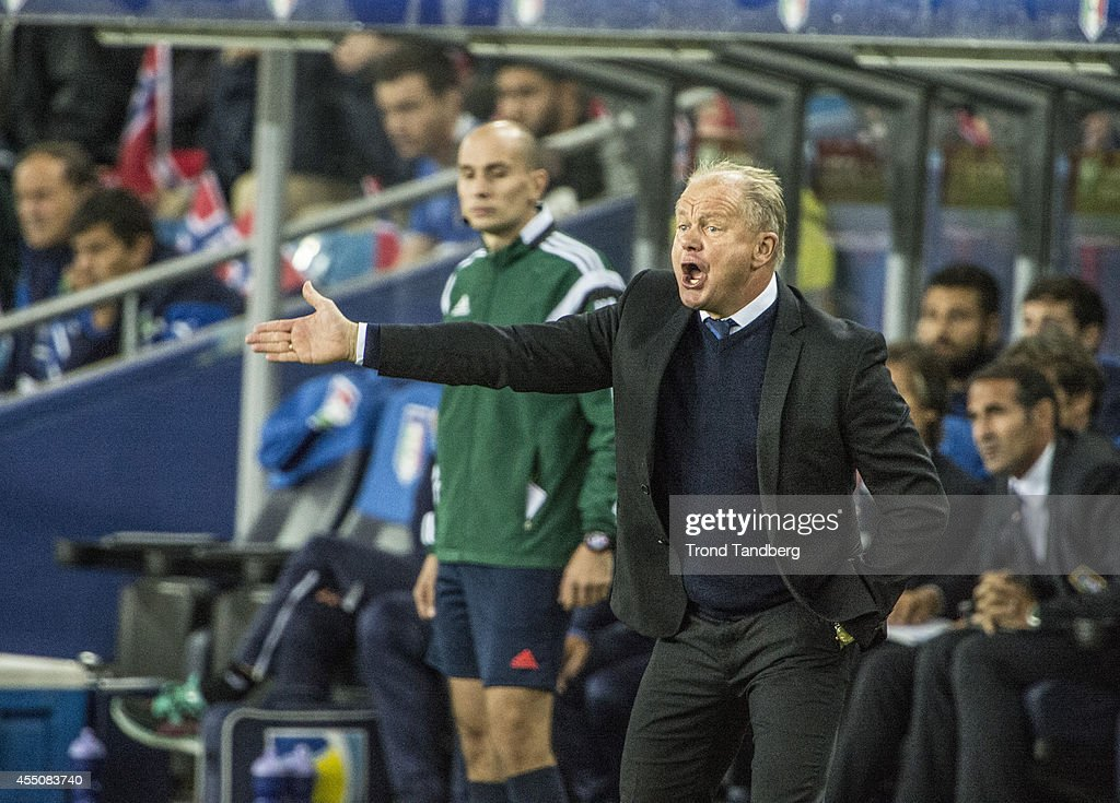 Head coach Per Mathias Hoegmo of Norway during the UEFA EURO 2016 qualifier match between Norway and Italy at Ullevaal Stadion on September 9, 2014 in Oslo, Norway.