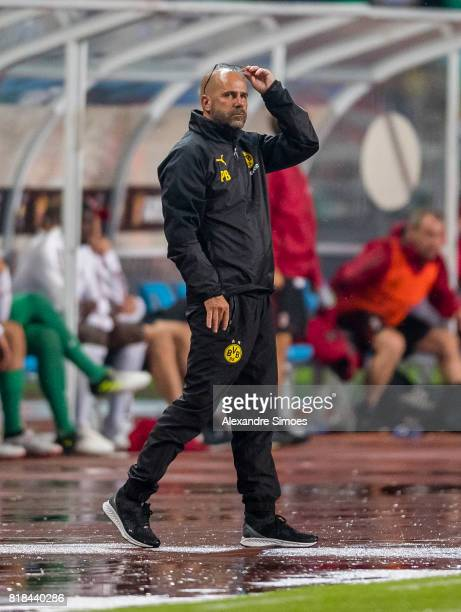 Head coach Peter Bosz of Borussia Dortmund in action during a preseason friendly match between AC Milan and Borussia Dortmund on July 18 2017 in...