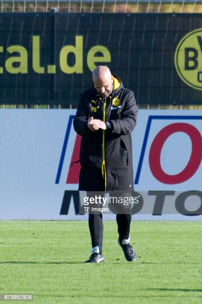 Head coach Peter Bosz of Dortmund gestures during a training session at BVB trainings center on November 5 2017 in Dortmund