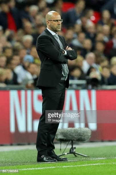 Head coach Peter Bosz of Dortmund looks on during the UEFA Champions League group H match between Tottenham Hotspur and Borussia Dortmund at Wembley...