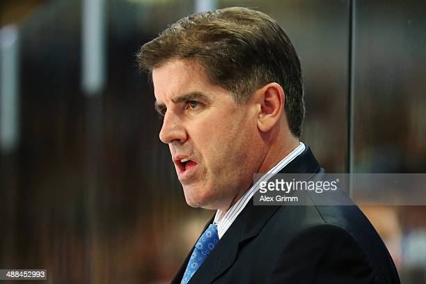 Head coach Peter Laviolette of USA looks on during the international ice hockey friendly match between Germany and USA at Arena Nuernberger...