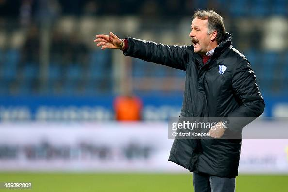 Head coach Peter Neururer of Bochum issues instructions during the Second Bundesliga match between VfL Bochum and VfR Aalen at Rewirpower Stadium on...