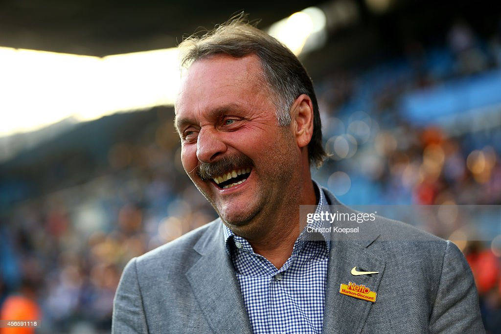 Head coach Peter Neururer of Bochum0 looks on prior to the Second Bundesliga match between VfL Bochum and 1 FC Nuernberg at Rewirpower Stadium on...