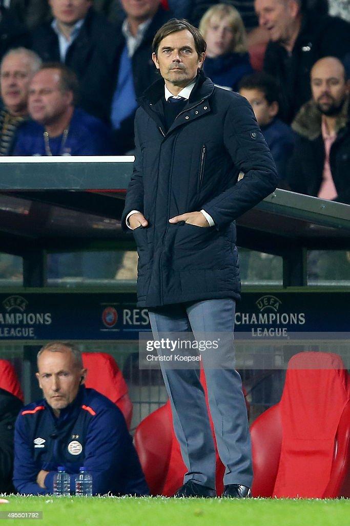 PSV Eindhoven v VfL Wolfsburg - UEFA Champions League