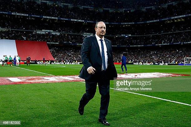 Head coach Rafael Benitez of Real Madrid CF leaves the pitch prior to start the La Liga match between Real Madrid CF and FC Barcelona at Estadio...