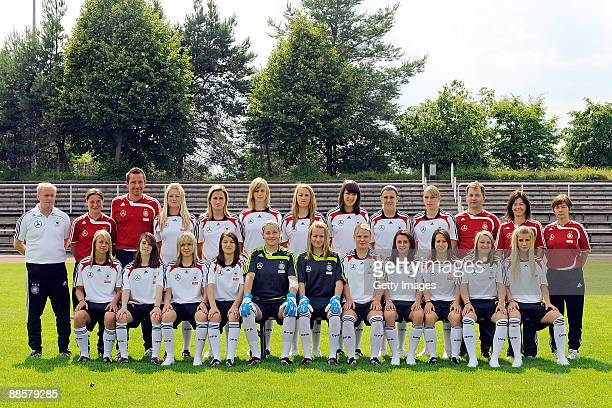 Head coach Ralf Peter assistant coach Verena Hagedorn goal keeper coach Michael Muhr Annika Doppler Laura Vetterlein Johanna Elsig Carolin Simon Kyra...