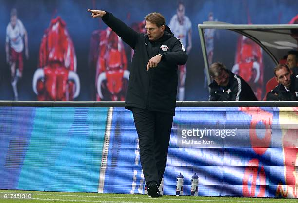 Head coach Ralph Hasenhuettl of Leipzig gestures during the Bundesliga match between RB Leipzig and SV Werder Bremen at Red Bull Arena on October 23...