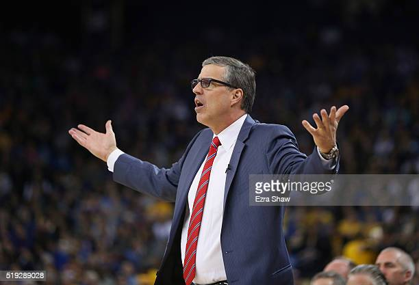 Head coach Randy Wittman of the Washington Wizards questions a call against the Golden State Warriors at ORACLE Arena on March 29 2016 in Oakland...