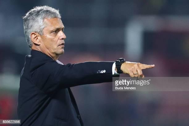 Head coach Reinaldo Rueda of Flamengo gestures during a match between Flamengo and Atletico GO part of Brasileirao Series A 2017 at Ilha do Urubu...