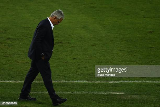 Head coach Reinaldo Rueda of Flamengo looks on during a match between Botafogo and Flamengo as part of Copa do Brasil Semifinals 2017 at Nilton...