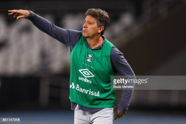 Head coach Renato Gaucho of Gremio during a match between Botafogo and Gremio as part of Brasileirao Series A 2017 at Nilton Santos Stadium on August...