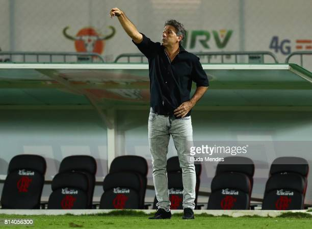 Head coach Renato Gaucho of Gremio gestures during a match between Flamengo and Gremio as part of Brasileirao Series A 2017 at Ilha do Urubu Stadium...