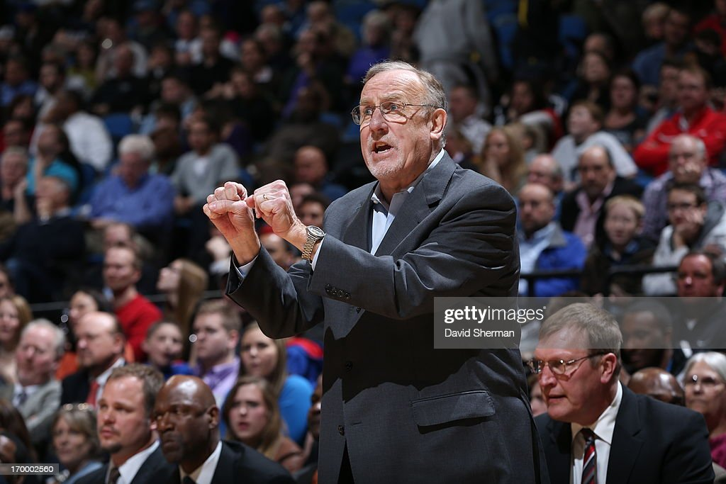 Head Coach <a gi-track='captionPersonalityLinkClicked' href=/galleries/search?phrase=Rick+Adelman&family=editorial&specificpeople=209189 ng-click='$event.stopPropagation()'>Rick Adelman</a> of the Minnesota Timberwolves gives direction against the Washington Wizards during the game on March 6, 2013 at Target Center in Minneapolis, Minnesota.