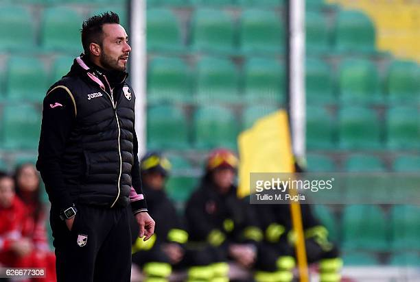 Head Coach Roberto De Zerbi of Palermo looks on during the TIM Cup A match between US Citta di Palermo and AC Spezia at Stadio Renzo Barbera on...