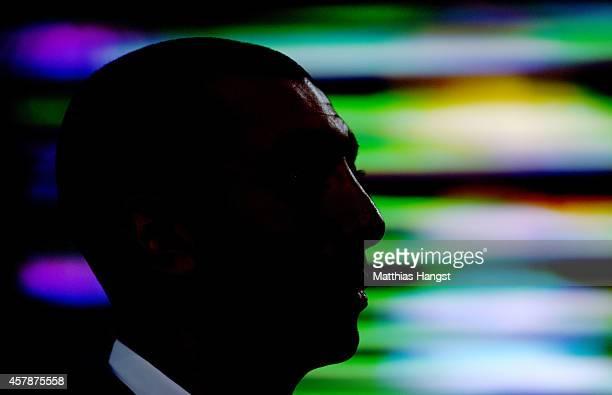 Head coach Roberto Di Matteo of Schalke looks on during the Bundesliga match between Bayer 04 Leverkusen and FC Schalke 04 at BayArena on October 25...