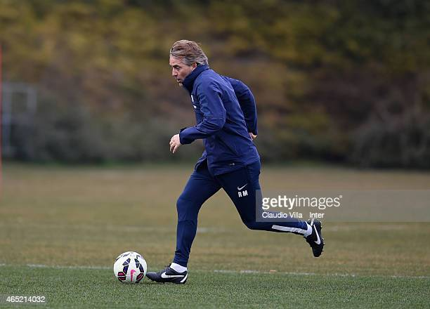 Head coach Roberto Mancini during FC Internazionale training session at the club's training ground at Appiano Gentile on March 04 2015 in Como Italy