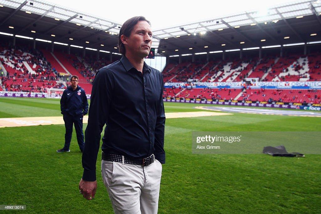 Head coach Roger Schmidt of Leverkusen looks on prior to the Bundesliga match between 1 FSV Mainz 05 and Bayer 04 Leverkusen at Coface Arena on April...